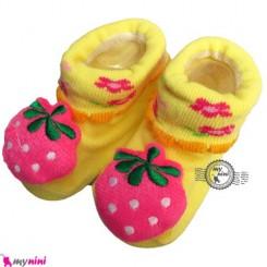پاپوش عروسکی استُپ دار زرد توت فرنگی Baby cute socks