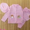 ست 3 تکه بافتنی بچه گانه گلدوزی شده ژاکت و شلوار و کلاه 3 تا 9 ماه صورتی Baby knitted clothes set