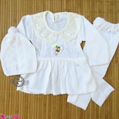 ست لباس بافتنی نوزاد پیراهن و شلوار و کلاه دخترانه یقه گیپور 3 تکه شیری Baby girl knitted dress